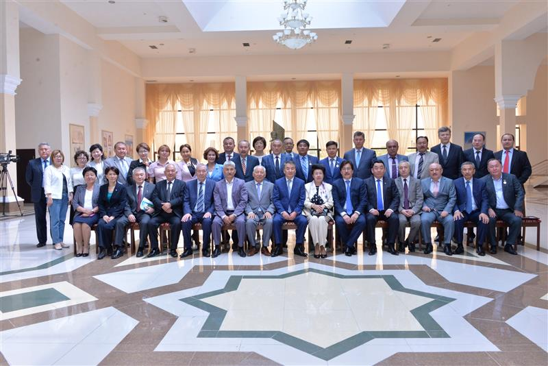 The extended meeting of the Presidium of the Association of Kazakh National University alumni, 11 May 2015