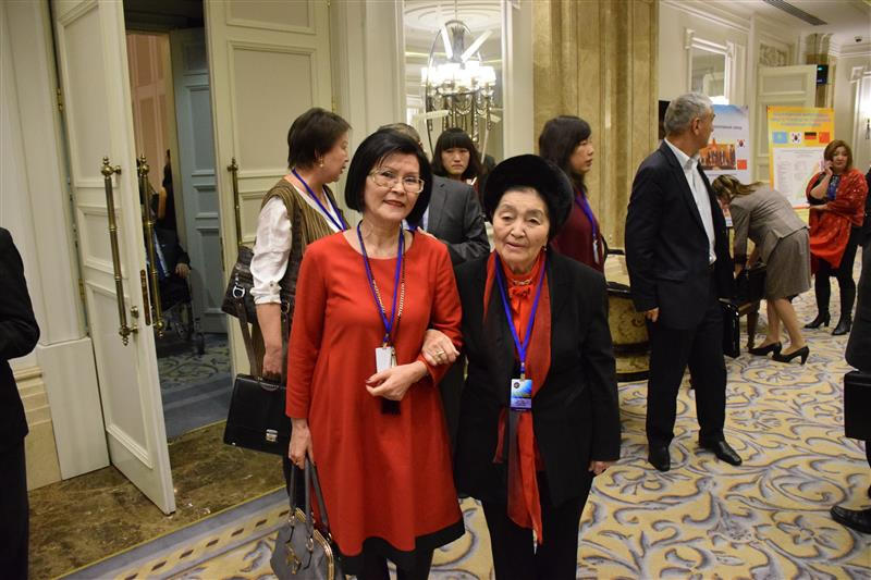 Laureate of the State Prize of the Kazakh SSR Bagdat Nurlanovna Abisheva and executive director of the Association Kulgazira Baltabaeva