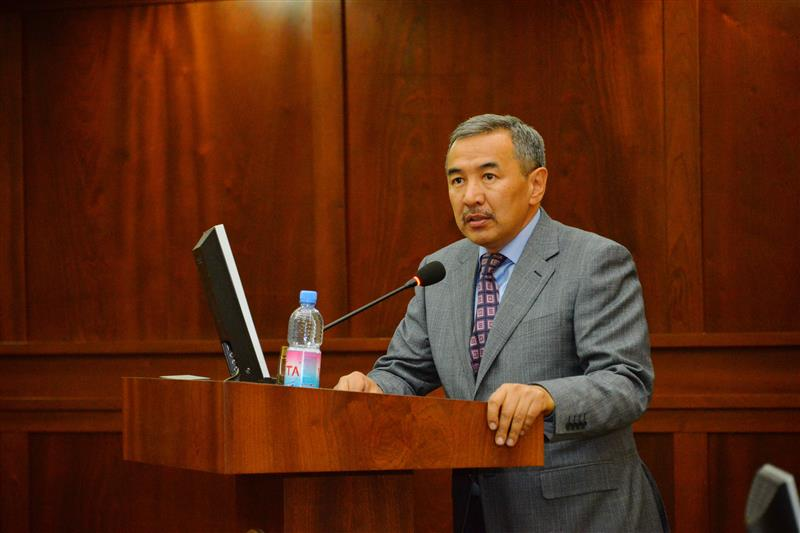 Member of the Alumni Association of the Presidium Amirhan Estaev supports the creation of an endowment fund of Kazakh National University